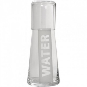 Botella con vaso transparente
